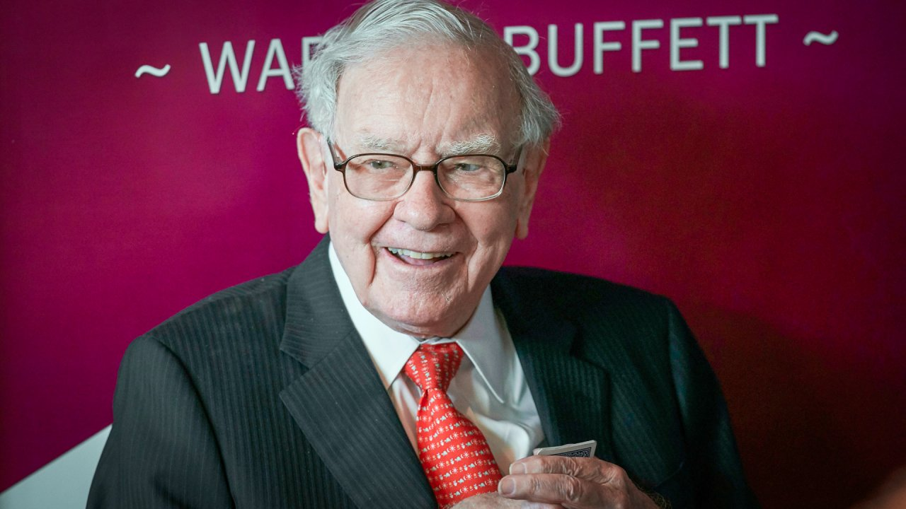 "Cổ Phiếu ""Ruột"" Của Warren Buffett Sẽ Thắng Hay Thua?"