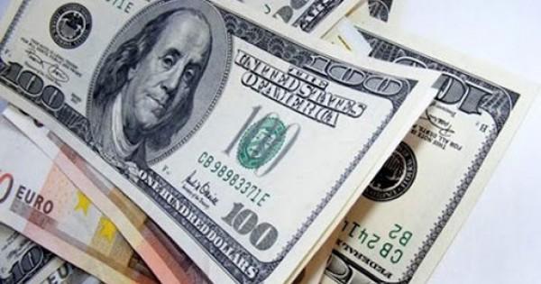 Đồng Đô La Tăng Trước Lợi Suất Trái Phiếu Của Fed