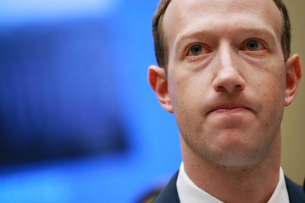Mark Zuckerberg Gặp Khủng Hoảng Lớn