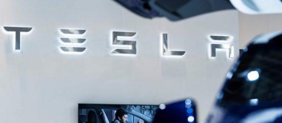 Có Gì Đặc Biệt trong Cuộc Đàm Phán Tesla và Eve