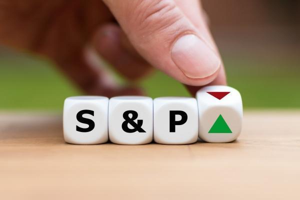S&P Tăng 1% Góp Phần Khởi Sắc Trở Lại