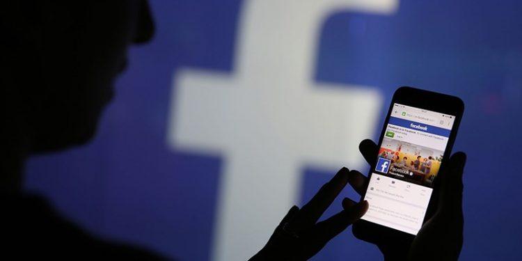 Facebook Phát Triển Chiếc Smartwatch Đầu Tiên Của Mình