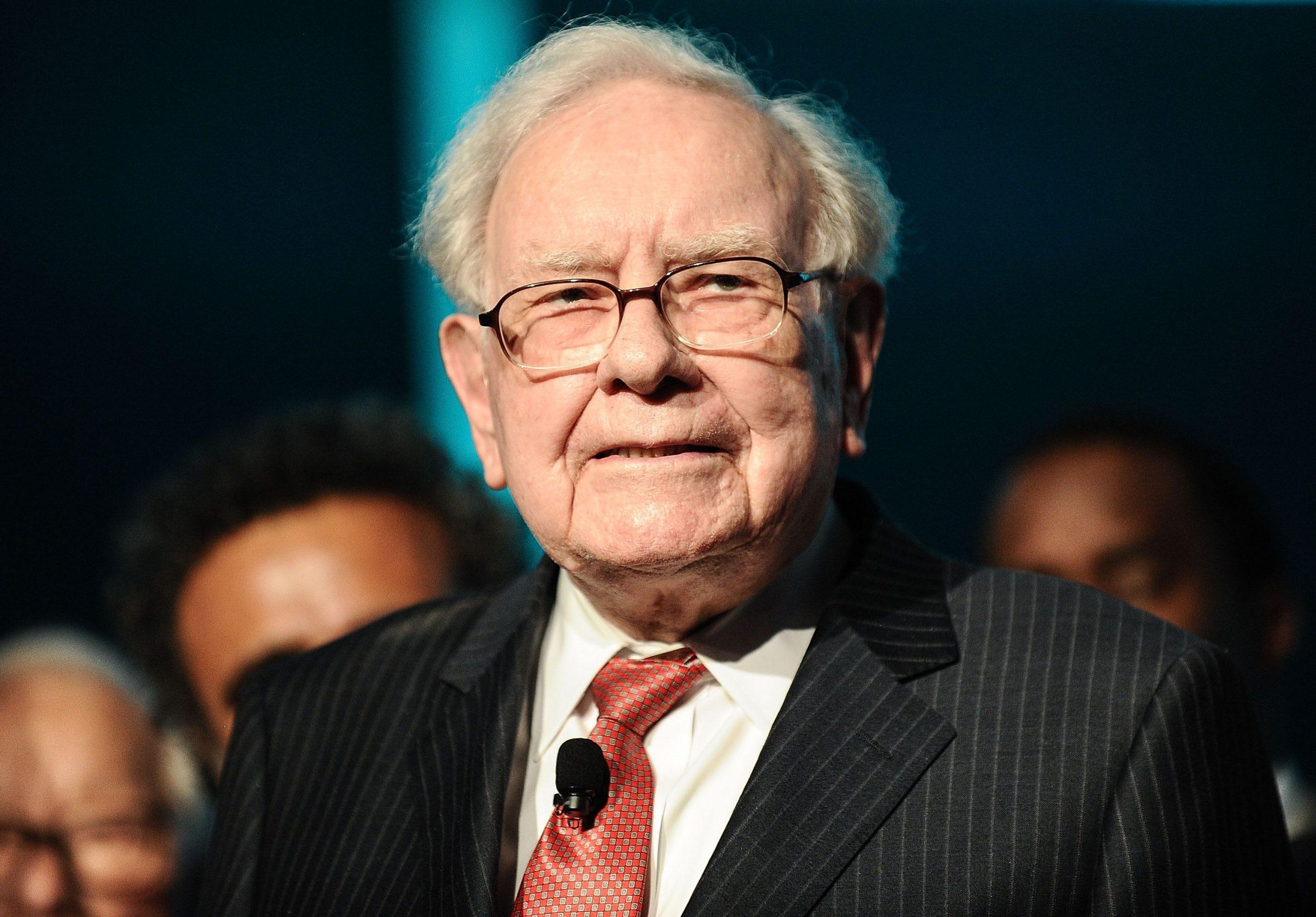Vì Sao Warren Buffett Thà Mang Hết 100 Tỷ USD Đi Từ Thiện?